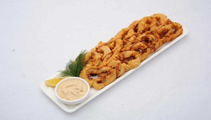 Греческая кухня - кальмары в кляре