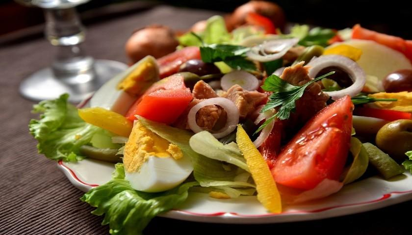 Классический салат «Нисуаз»