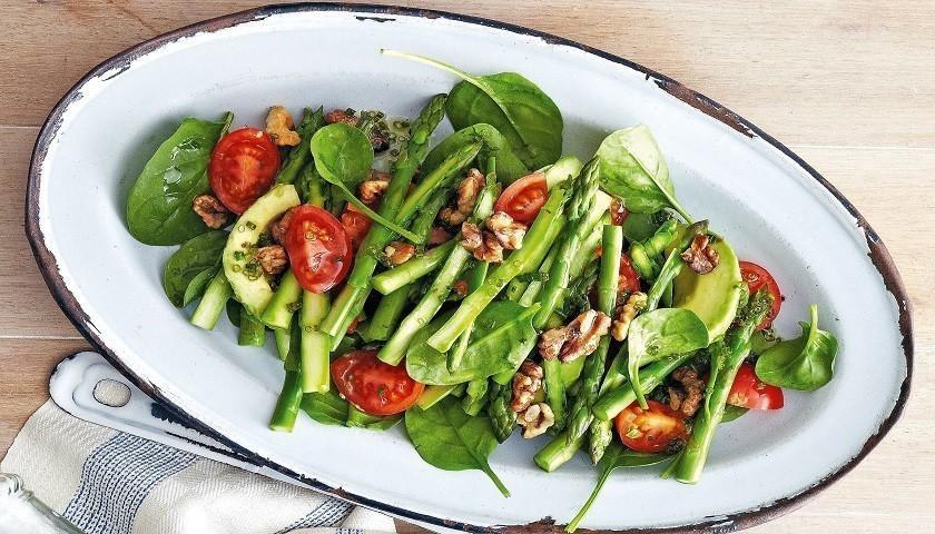 Салат из фасоли, имбиря и авокадо