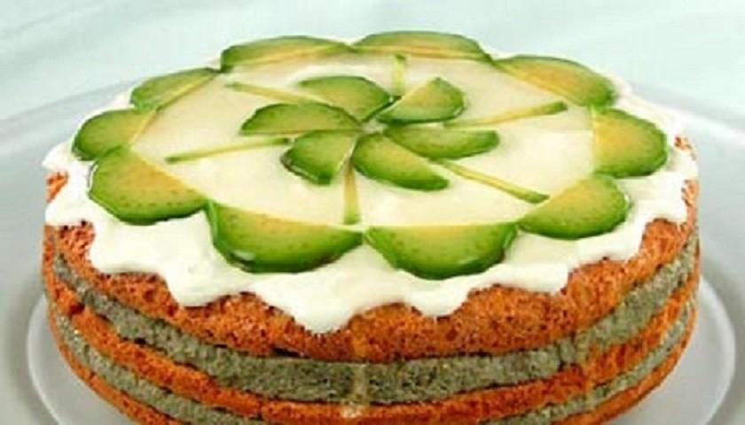 Закусочный торт из авокадо