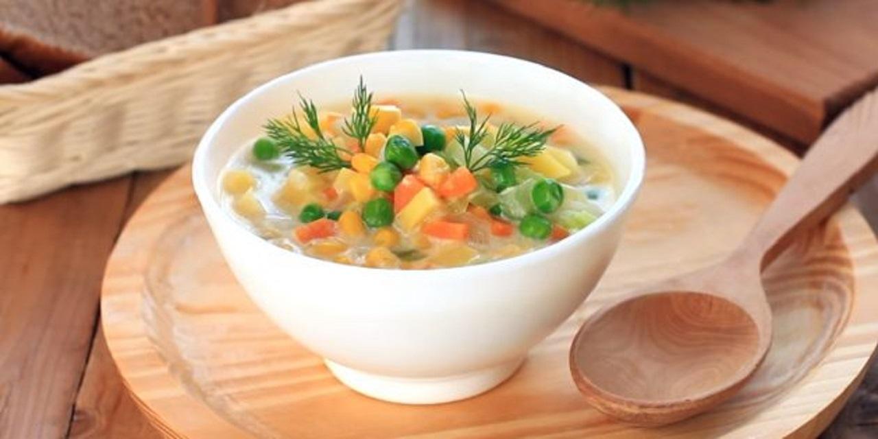 Густой постный суп с кукурузой и горошком