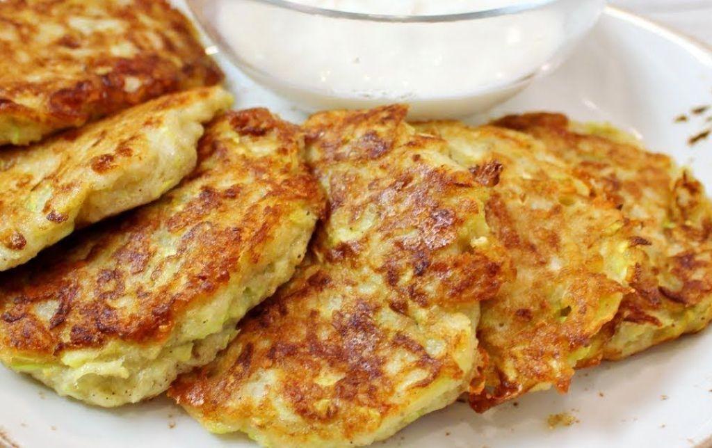 Аппетитные оладьи из кабачков и сыра