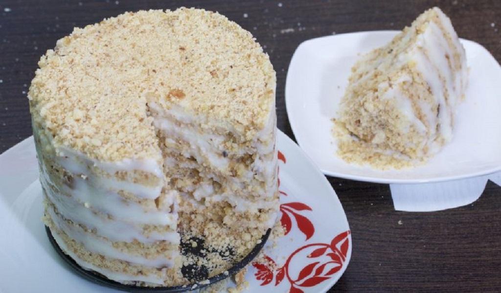 Простой торт без выпечки со сметанным кремом