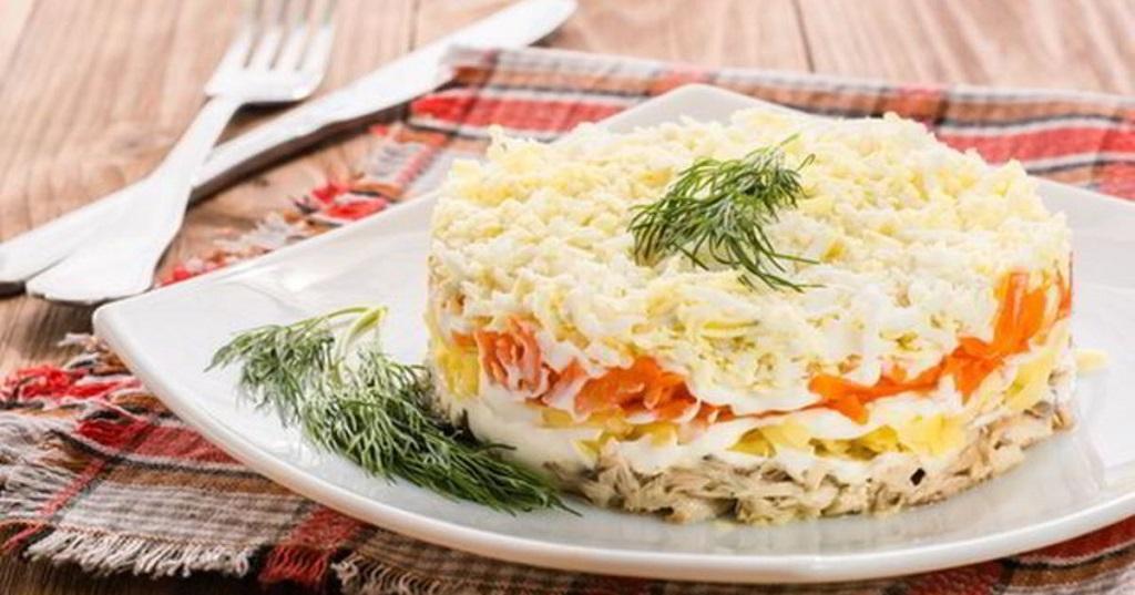 Салат «Мимоза» с картофелем и морковью