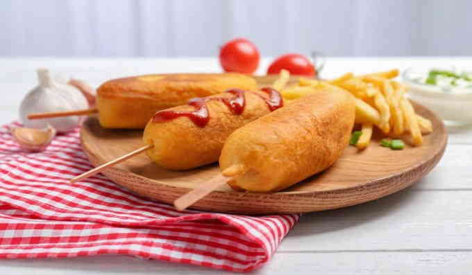 Что приготовить из сосисок - корн-доги с плавленым сыром