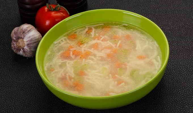 Суп из консервированного тунца с макаронами