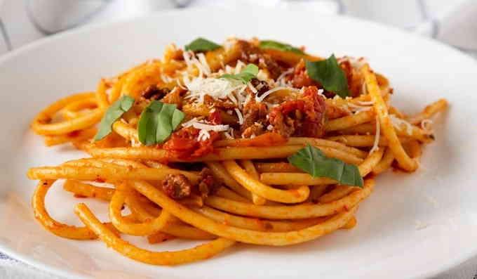 Что приготовить из спагетти - паста аматричана