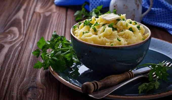 Картофельное пюре с варёными яйцами