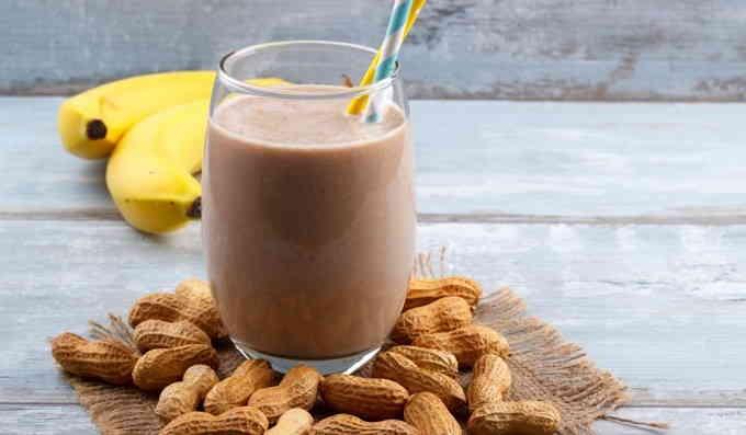 Что приготовить на завтрак - шоколадно-банановый смузи