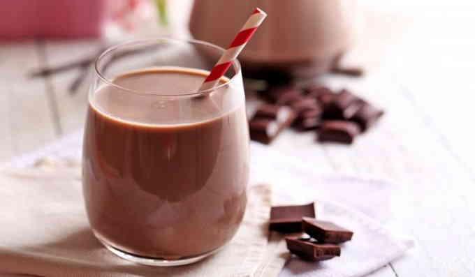 Что приготовить на завтрак - шоколадный молочный коктейль