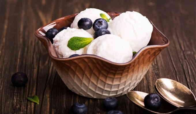 Ванильное домашнее мороженое из молока