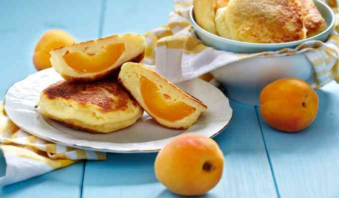 Что приготовить из творога - сырники с абрикосами