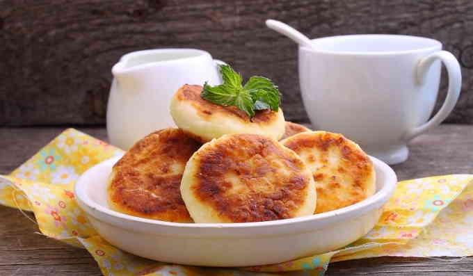 Пышные сырники, которые сделают завтрак идеальным