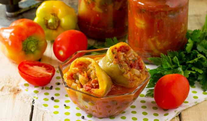 Фаршированные перцы в томатной заливке на зиму